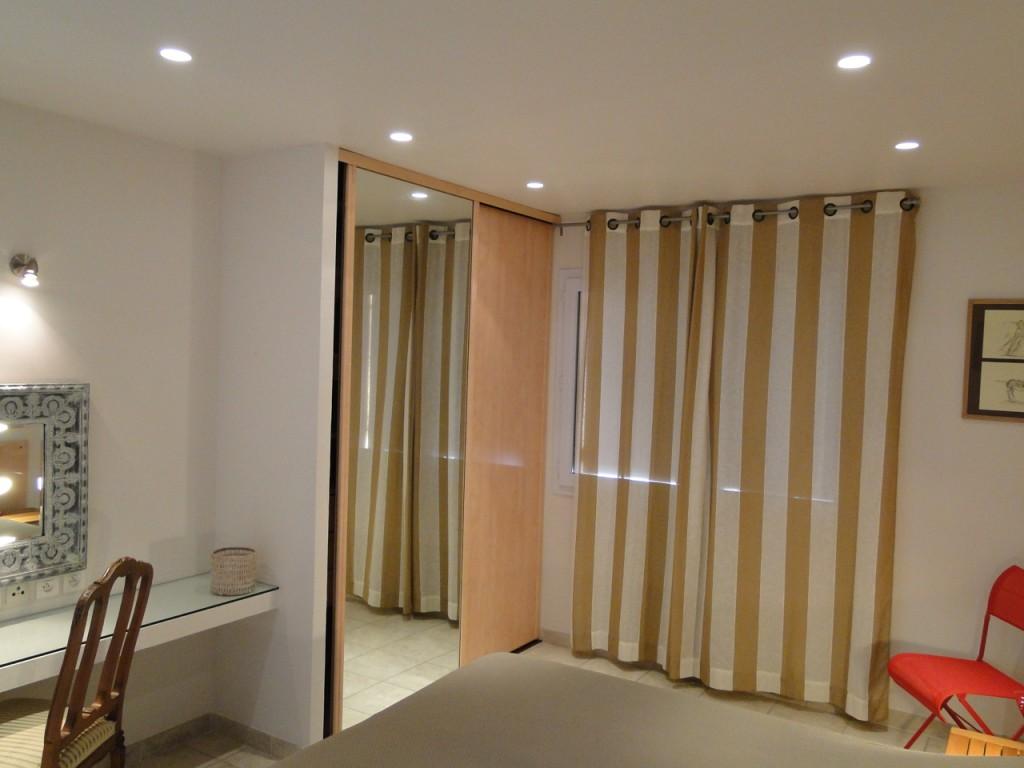Coiffeuse, Grands lits Twin ou lit King-size 160X200 Salle de bain complète. Vue panoramique campagne et mer